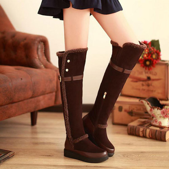 shoes boot flat over knee