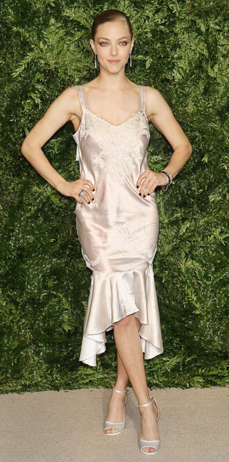 dress amanda seyfried sandals prom dress gown
