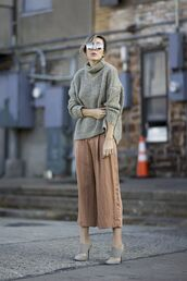 shoes,turtleneck sweater,light brown culottes,suede mules,grey suede mules,mirrored sunglasses,grey sweater,grey oversized sweater,oversized sweater,oversized turtleneck sweater,grey turtleneck sweaterr,ribbed turtleneck,culottes,grey mules,double strap mules,suede mule,mules,grey shoes,pants,palazzo pants,sweater,sunglasses,fall outfits,silver sunglasses