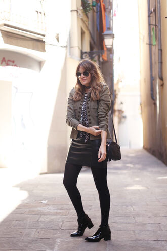 my daily style blogger jacket t-shirt scarf skirt shoes bag