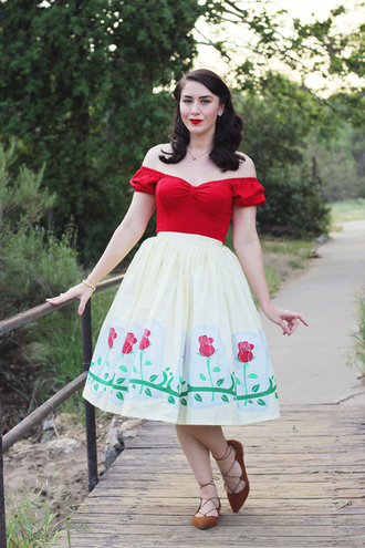 southerncaliforniabelle blogger top skirt shoes jewels bag red top flats spring outfits 50s style