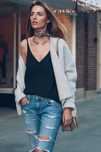 prosecco and plaid blogger jewels cardigan tank top scarf jeans shoes coat black top grey cardigan ripped jeans shoulder bag