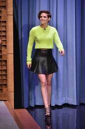 skirt,top,sweater,kristen stewart,shoes,skater skirt