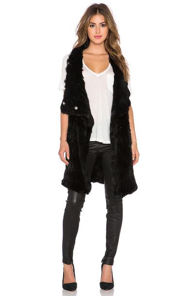 Elizabeth and James vest fur vest fur black
