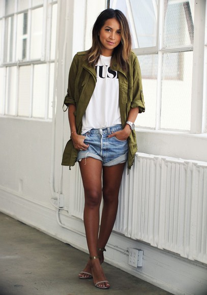sincerely jules blogger jacket t-shirt blouse khaki denim shorts sandals