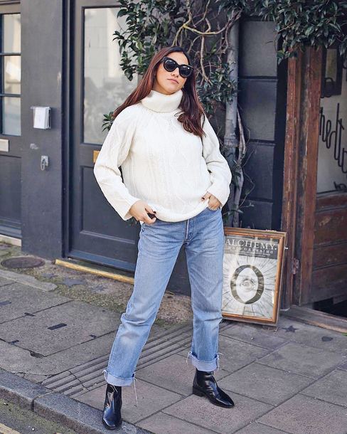 sweater tumblr knit knitwear knitted sweater white sweater turtleneck turtleneck sweater denim jeans blue jeans boots black boots sunglasses