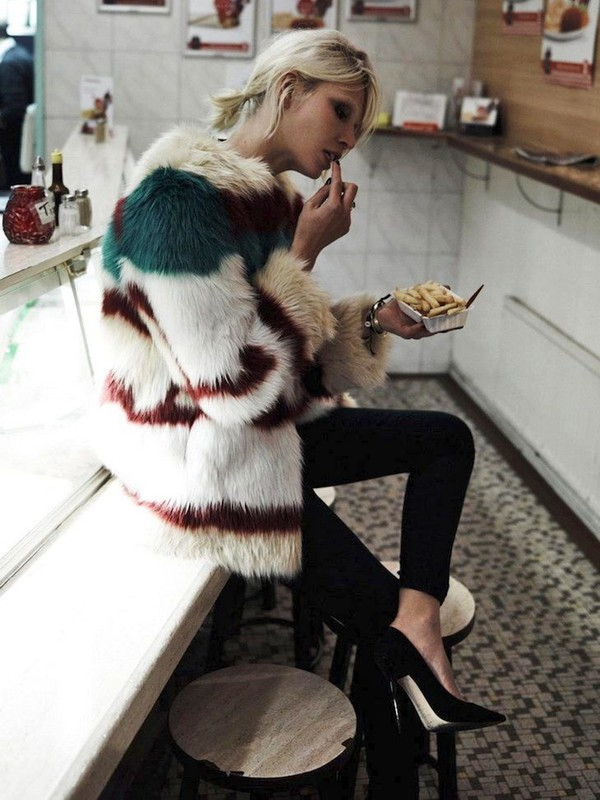 le fashion blogger jacket jeans fur fur coat big fur coat editorial leggings pumps high heel pumps black pumps velvet leggings printed fur jacket