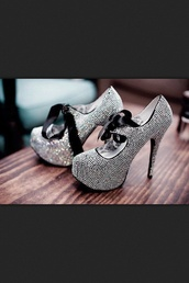 shoes,high heels,silver,ribbon,heels