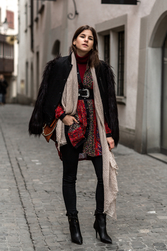 shoes red blouse black belt beige scarf leather jaket blak pants black heeled boots blogger