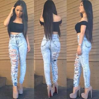 jeans jeanse heels t shirt.