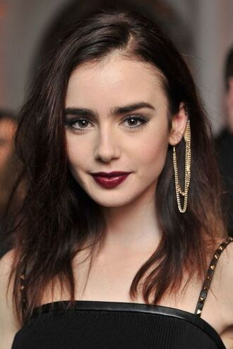 make-up dark lipstick ear piercings soft grunge lily collins jewels earrings ear cuff chain link earrings jewelry celebrity style celebrity celebstyle for less