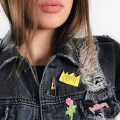 home accessory,yeah bunny,pins,accessories,queen,lipstick,roses,denim jacket