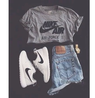 shirt nike nike air nike clothes nike crop top gloves shorts t-shirt shoes sneakers nike shoes nike sneakers nikes levi levis levi's