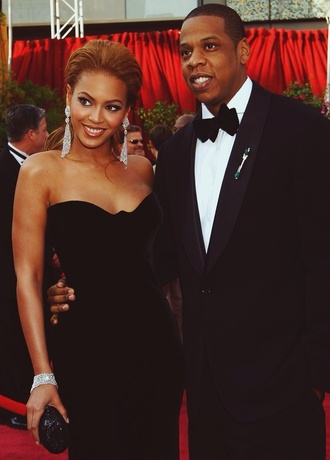 jewels beyonce gorgeous amazing black black dress red carpet jay z