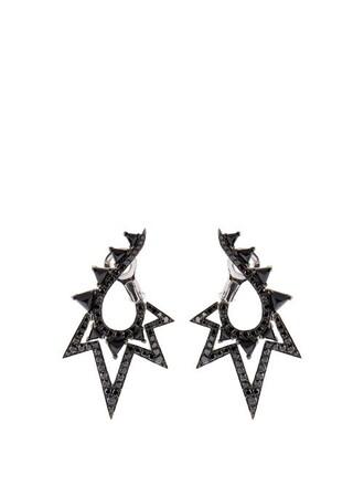 lady earrings gold black jewels