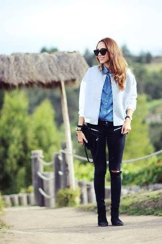preppy fashionist blogger sunglasses blouse jacket jeans shoes jewels