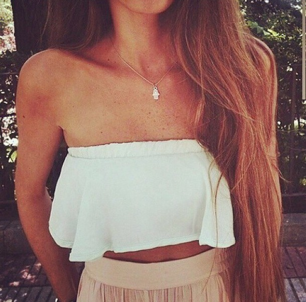 top crop tops bustier crop top bustier crop tops white white top white crop tops white crop tops white bustier crop top white bustier white bustier cute girly summer top summer outfits summer fashion jewels silver necklace silver jewelry silver necklace tank top