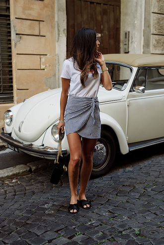 skirt tumblr gingham mini skirt wrap skirts shoes slide shoes t-shirt white t-shirt bag gingham skirt