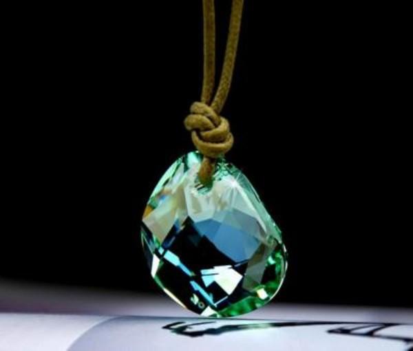 jewels swarovski swarovski galet swarovski necklace necklace pendant
