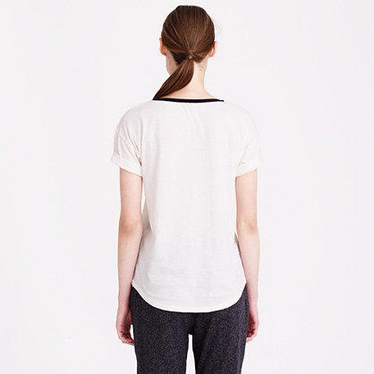 Roll-sleeve tee with bow