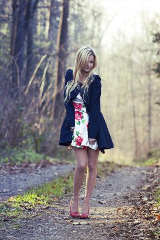 charmeuse blogger dress coat red heels floral skirt