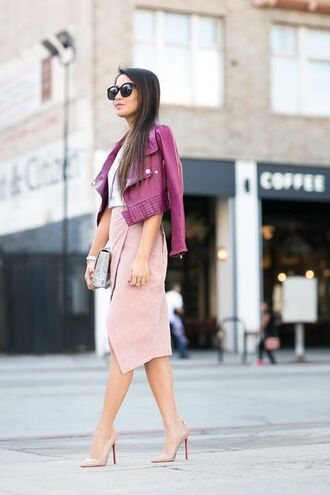 skirt lilac jacket pink suede skirt pink skirt pumps nude pumps louboutin jacket cropped jacket sunglasses black sunglasses blogger chic office outfits