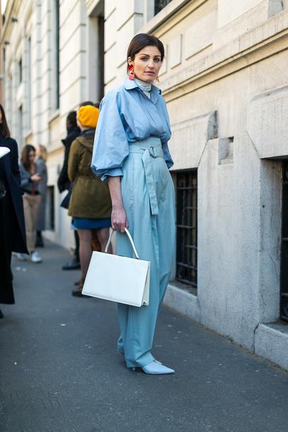 pants tumblr baggy baggy pants blue pants high waisted pants shoes blue heels bag white bag shirt blue shirt puffed sleeves turtleneck white turtleneck top earrings accessories Accessory milan fashion week 2017 fashion week 2017 fashion week streetstyle monochrome outfit