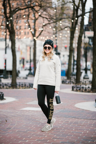 bows&sequins blogger sweater leggings shoes sunglasses hat winter outfits beanie sneakers sportswear