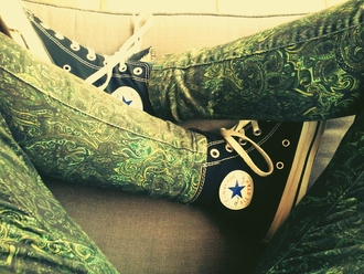 pants jeans leggings green green pants pattern all star converse converse black black shoes sneakers yellow light green turquoise