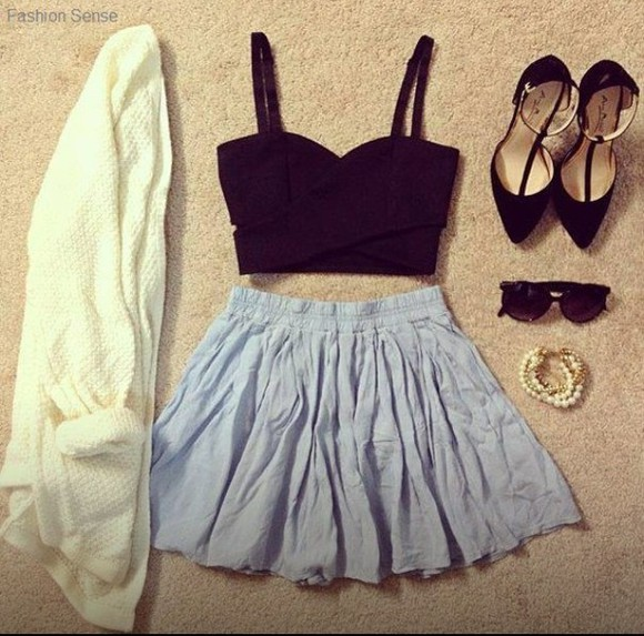 shoes sweater clothes veste white jewels skirt vest blue bleue black sunglasses crop tops tank top black crop top blue skirt blanche