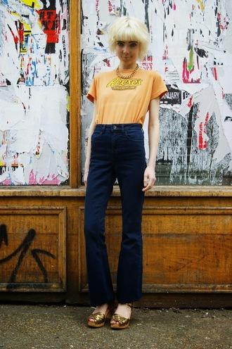 stella's wardrobe blogger t-shirt high waisted jeans