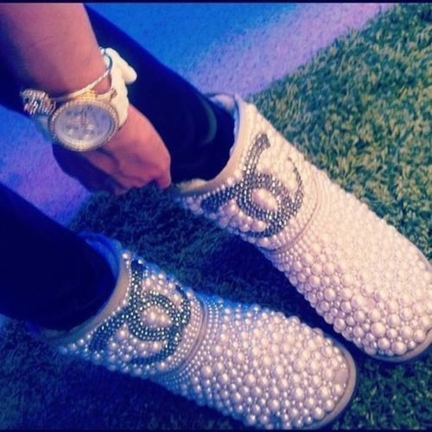 shoes ugg boots pearl white shiny ugg boots pearl studs pretty cute jewels jeweled bejeweled boots ugg boots chanel sparkle diamonds rhinestones bag fall outfits blouse studded studded shoes ugg boots chanel ugg boots chanel boots chanel shoes pearl chanel boots