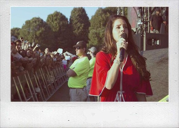 red dress lana del rey