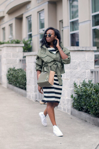 millennielle blogger casual back to school striped dress army green jacket converse white sneakers crossbody bag fall outfits fall jacket khaki bomber jacket banana republic white converse pocket jacket