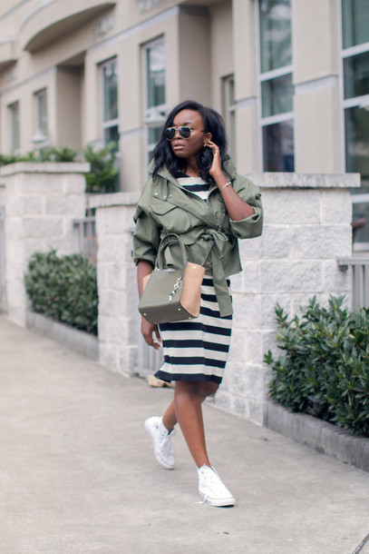 3fc99ef3ffc7 millennielle blogger casual back to school striped dress army green jacket  converse white sneakers crossbody bag