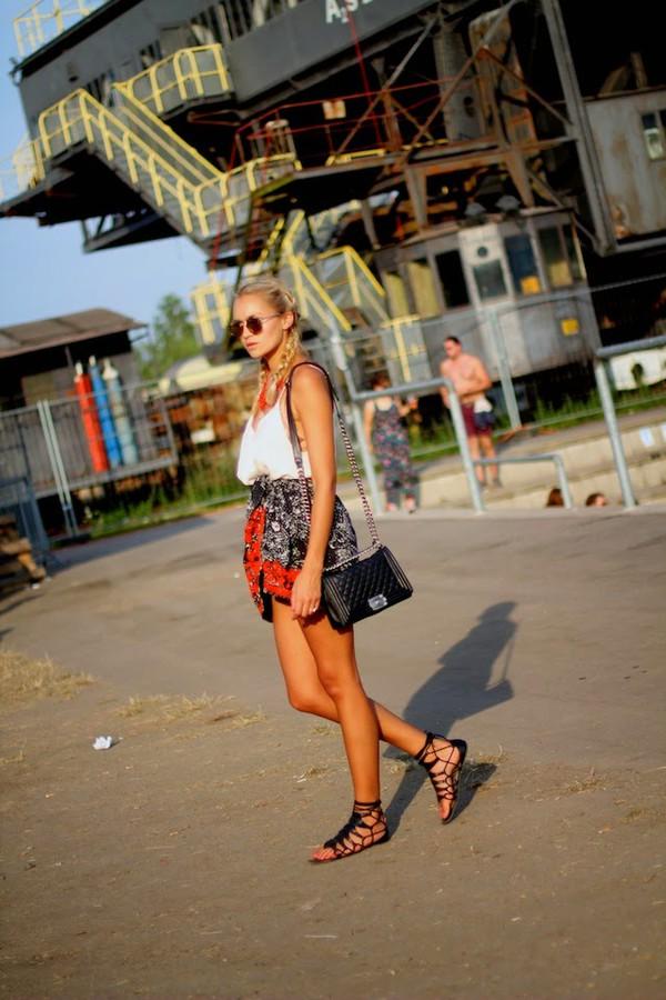 en vogue coop top skirt shoes bag sunglasses