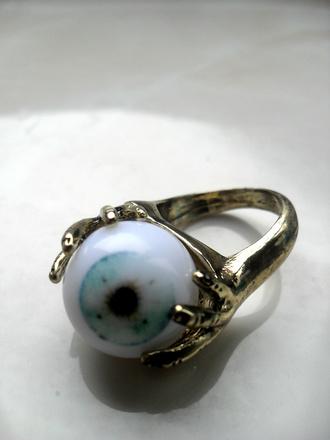 jewels ring gold hands eye eye ball jewllery jewls tumblr jewelry zombie