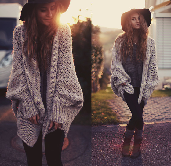 Cannery Row Vintage Over Sized Cardigan, Zara Zipper Leggings, Felmini Boots - Cozy days - Jessica Christ | LOOKBOOK
