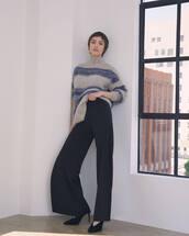 sweater,grey sweater