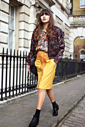 blouse blogger sunglasses natalie off duty