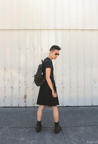 martan blogger t-shirt shoes sunglasses