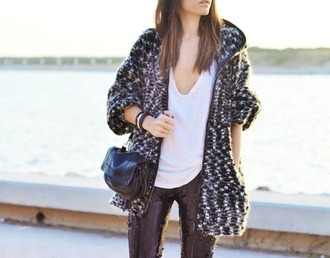 cardigan coat sweater warm fall white t-shirt shirt white shirt jeans winter outfits bag little bag black bag autumn