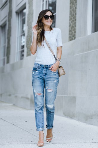 t-shirt denim boyfriend jeans distressed denim sandals blogger blogger style crossbody bag