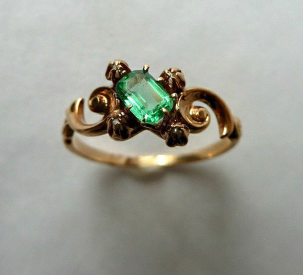 jewels green ring vintage