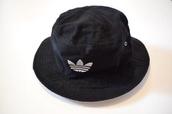 hat,adidas,bucket hat,black