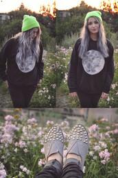 sweater,moon,knitwear,black,jumper,pull