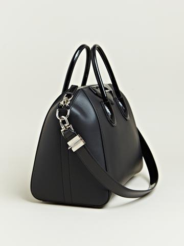 b881b212bf Givenchy Women's Calfskin Antigona Bag   LN-CC