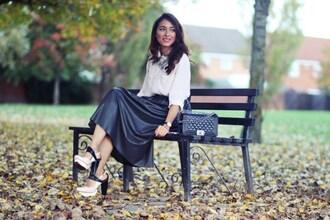 preppy fashionist blogger blouse skirt shoes bag jewels