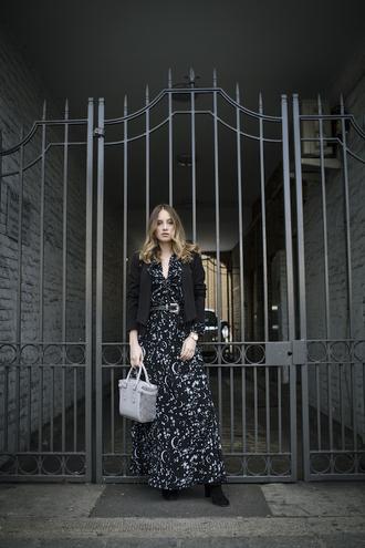 at fashion forte blogger jacket dress jewels belt bag shoes blazer black jacket maxi dress grey bag handbag
