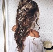 hair accessory,flowers,hair,curled hair,flowers in hair
